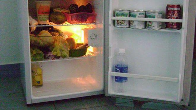Hướng dẫn khắc phục đèn ngăn mát tủ lạnh nháy sáng liên tục