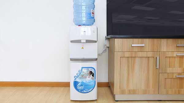 Sửa chữa cây nước nóng lạnh Media