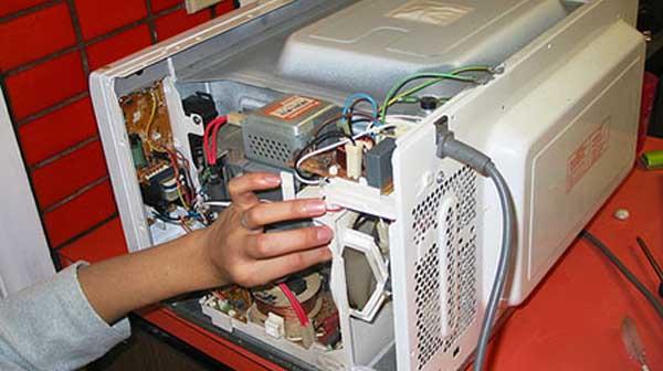 Sửa chữa lò vi sóng HITACHI tại Hà Nội